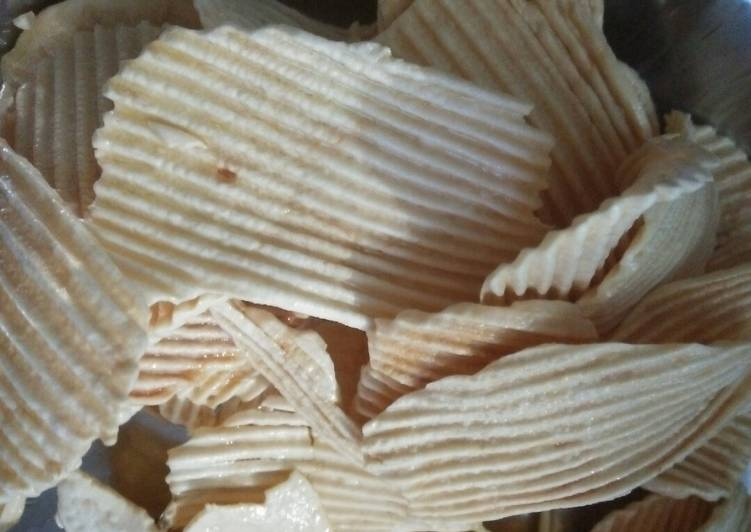 Foods That Make You Happy Patato chips