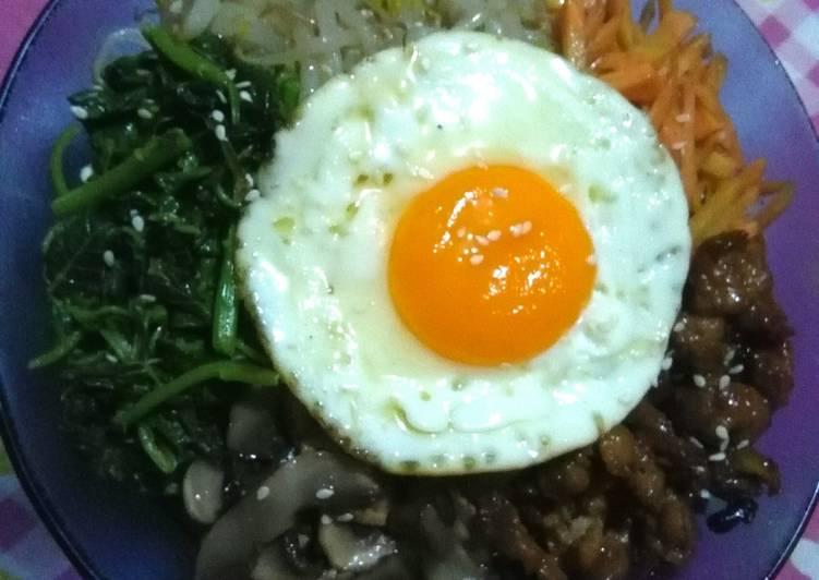 Bibimbap (Nasi campur Korea)
