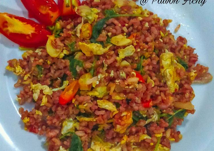 Nasi goreng merah pedas