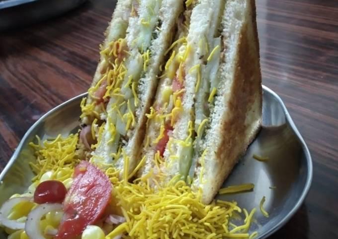 Grilled Veg Club Sandwich