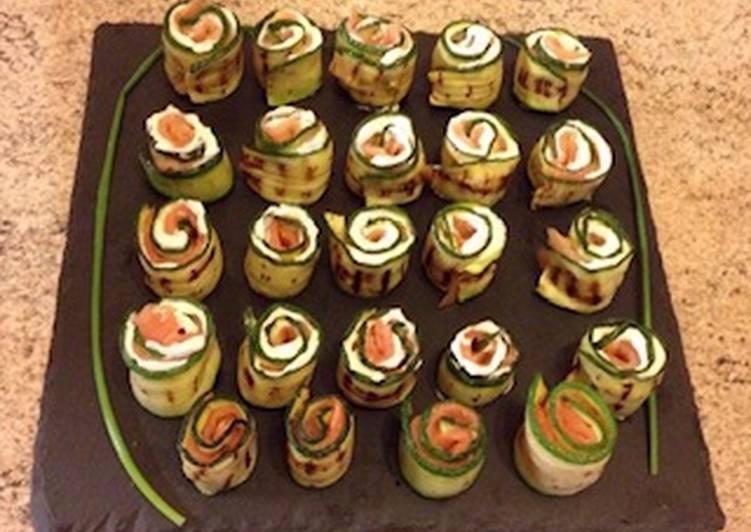 Rotolini di zucchina con caprino, erba cipollina e salmone