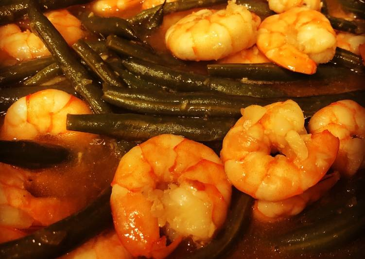 Stir- Fried Garlic Shrimp with String Beans