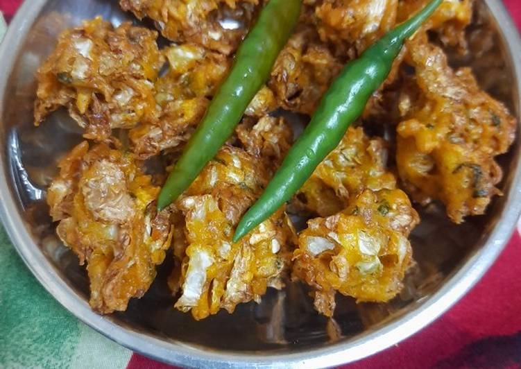 Recipe of Top-Rated Onion cabbage pakoda