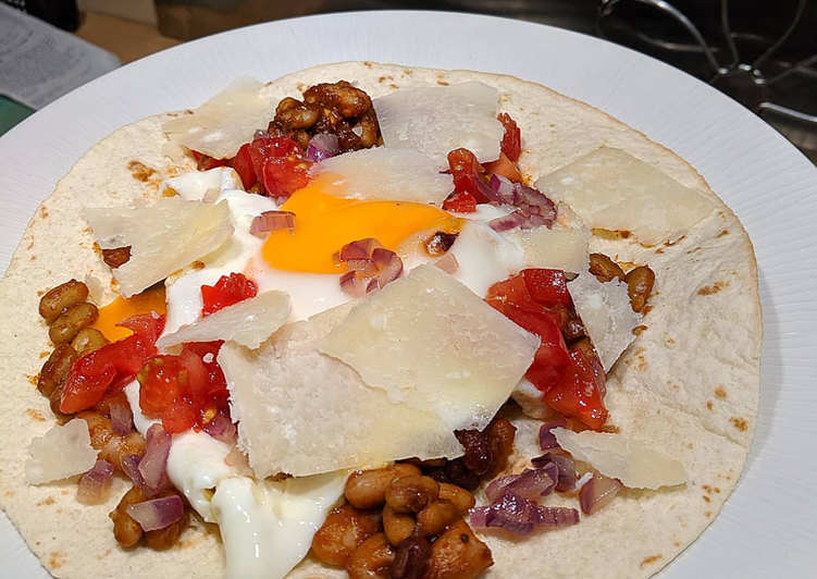 Recipe: Yummy Huevos Rancheros