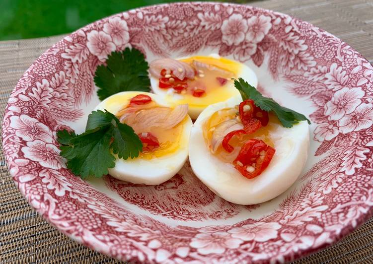 Soft boiled egg Thai spicy salad (Yum Kai Tom)