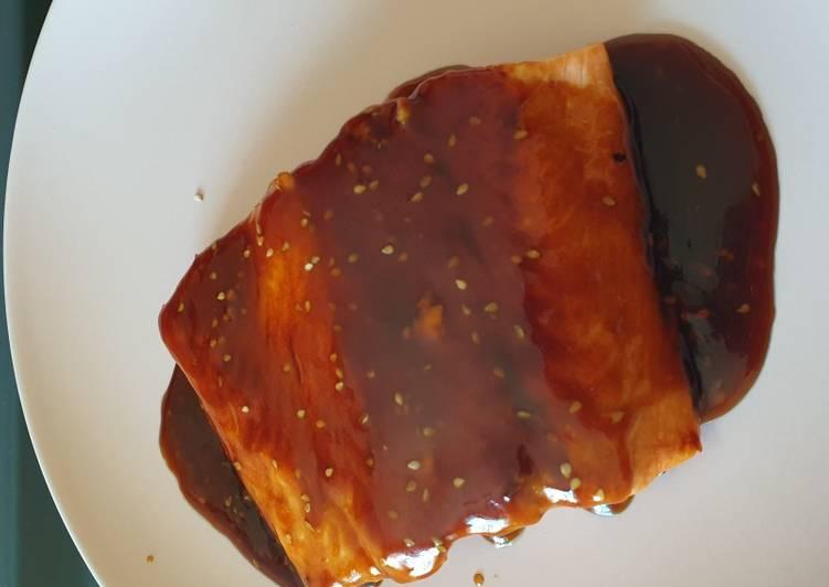 Salmón con salsa teriyaki