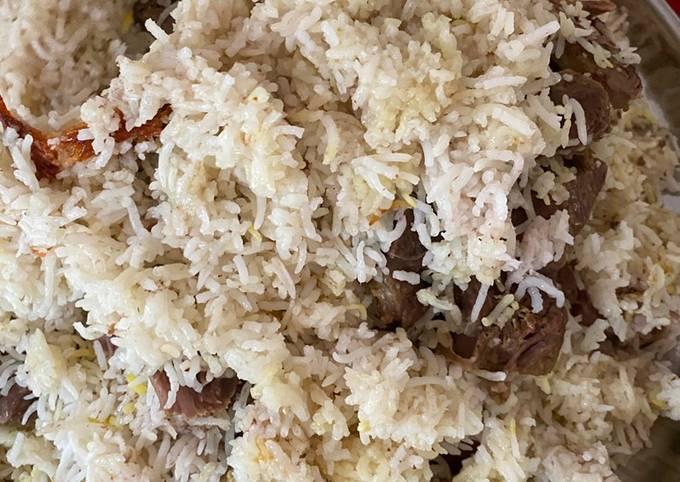 Tachin Iranian Dish (Masakan Iran Nasi Kambing yogurt)