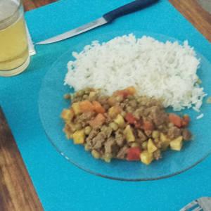 Picadillo (carne picada) a la Jardinera (Variación Propia de receta cubana)