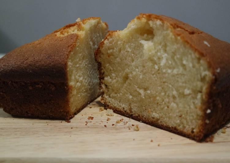 Gâteau nature parfumé à la fleur d'oranger