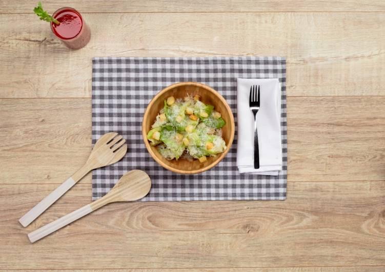 Easy to Make Delicious Caesar Salad Recipe
