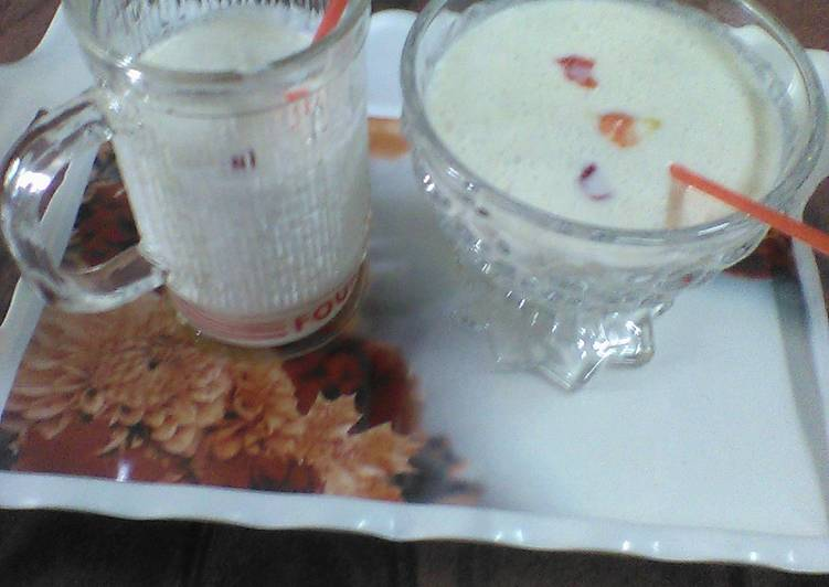How to Prepare Super Quick Homemade Almond milk shake