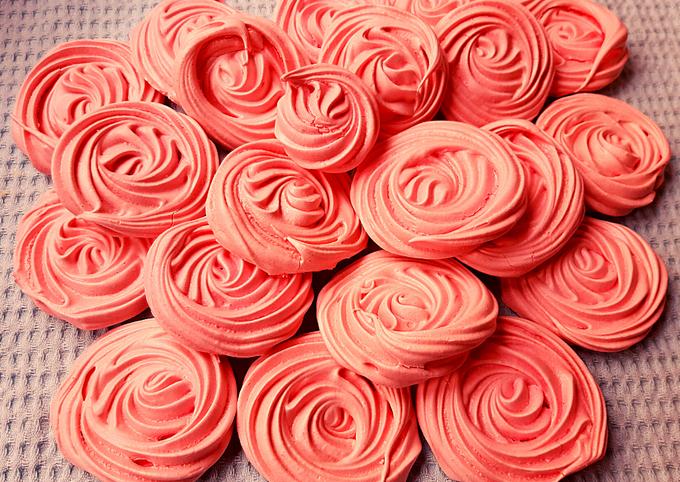Meringues a la rose