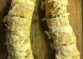 How to Recipe Perfect Brie Stuffed Garlic Bread