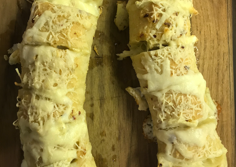 Brie Stuffed Garlic Bread