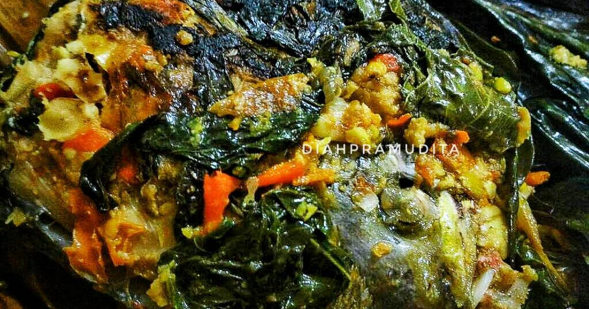 Pepes: Ikan Woku Daun Ubi/Singkong (Pedas)