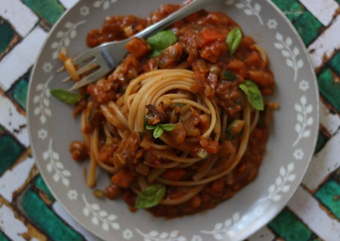 Recipe: Appetizing Vegan bolognese 🍝