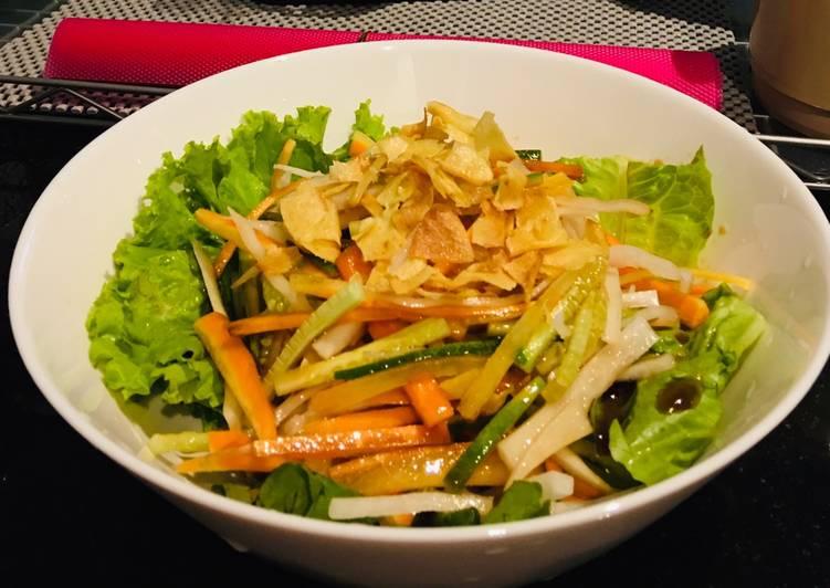 Daikon salad (salad lobak)