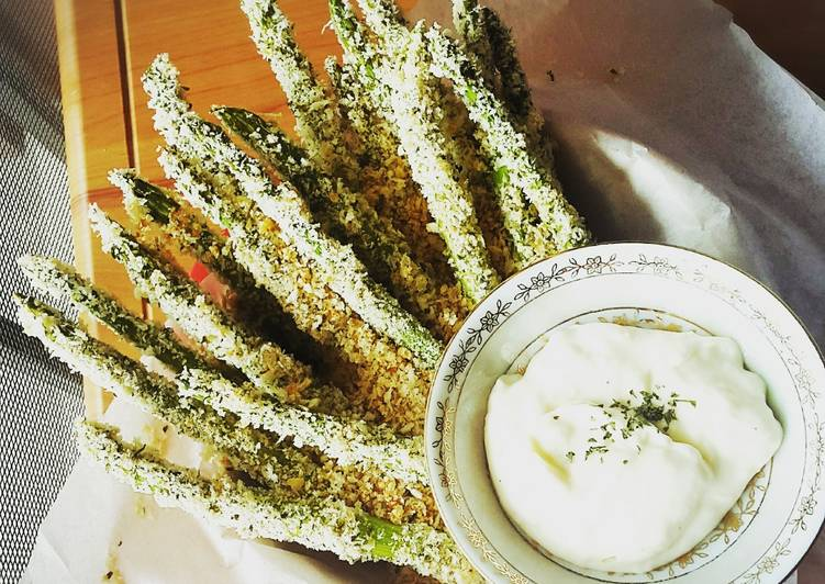 Crispy Asparagus Panggang dengan Saus Putih