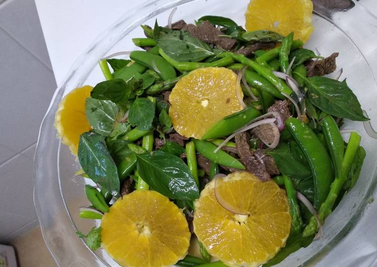Beef salad with orange dressing