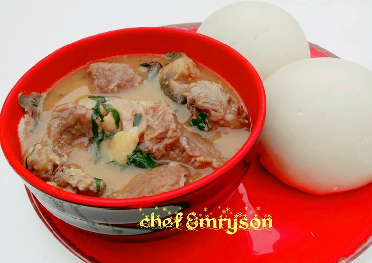 Nsala soup(white soup) with cat fish & beef 😋😋