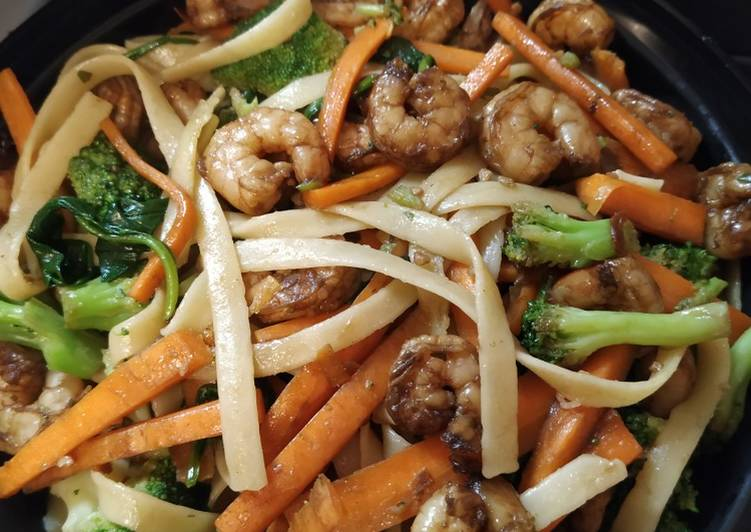 Steps to Prepare Perfect Thai Linguine Stir Fry