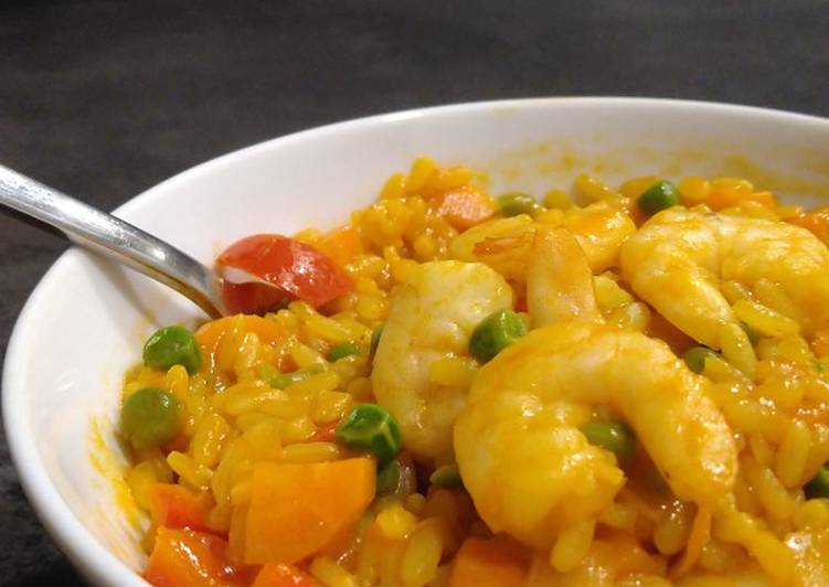 Colourful risotto with scampi