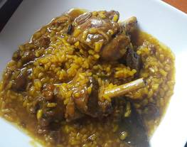 Pollo de campo con arroz