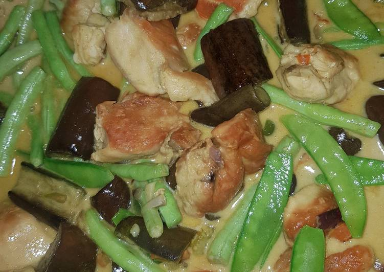 Thai Green Curry with Chicken Choosing Healthy Fast Food