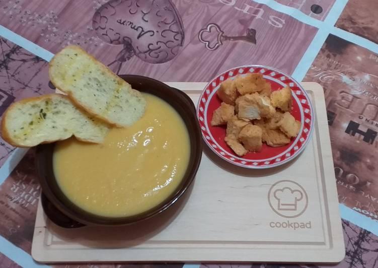 Zuppa di cavolfiore, porri e carote