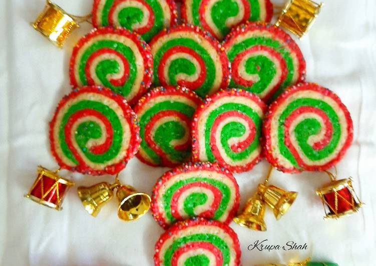 Recipe: Delicious Christmas swirl cookies (eggless)