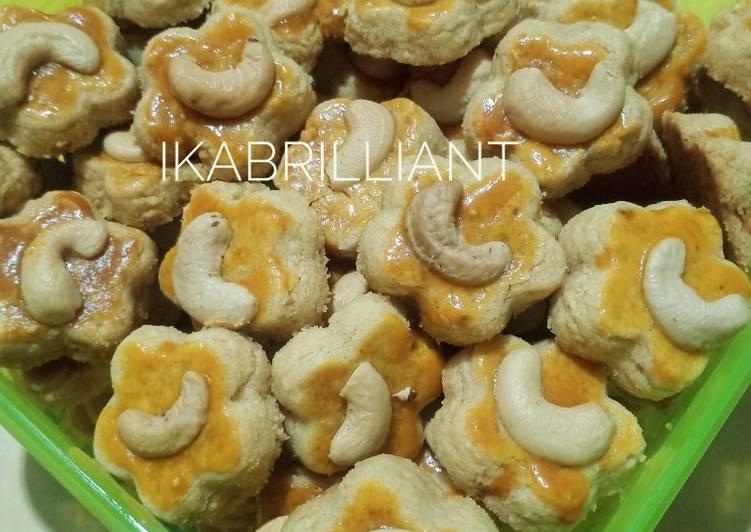 Kue kacang mede mente mete renyah lumer di mulut - cookandrecipe.com