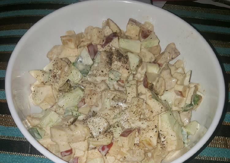 Apple, cucumber and chicken salad
