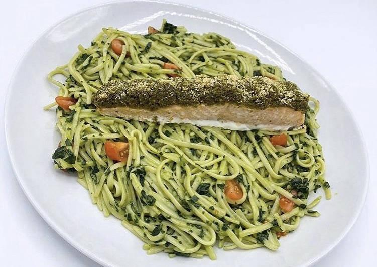 How to Cook Perfect Pavé de Saumon en croûte de Pesto et ses Pâtes aux Épinards