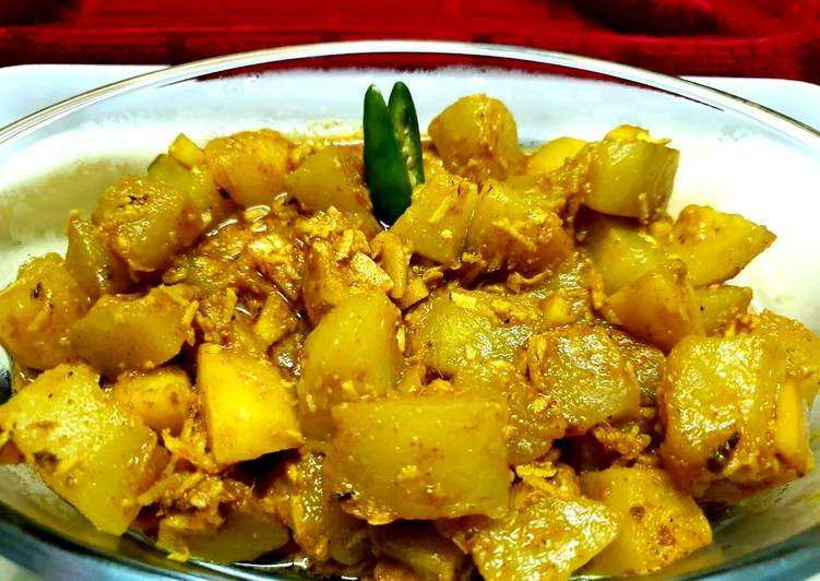 Steps to Prepare Homemade Kaancha Peper Dalna Raw Papaya Curry