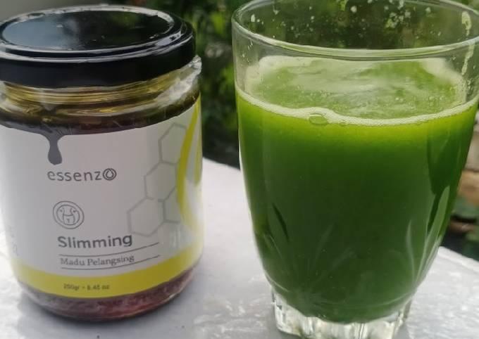 Minuman diet : jus rumput atau green smoothies