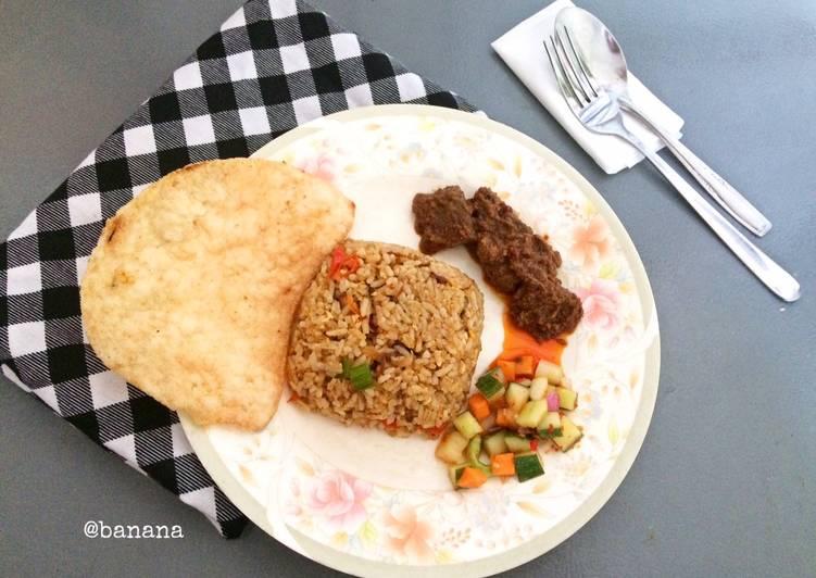 Cara Menyiapkan Nasi goreng rendang Anti Gagal