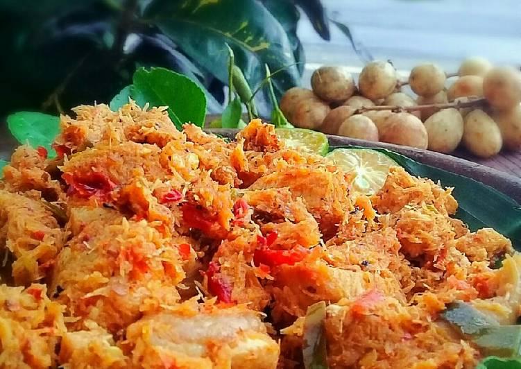 Lawar Ayam khas Bali