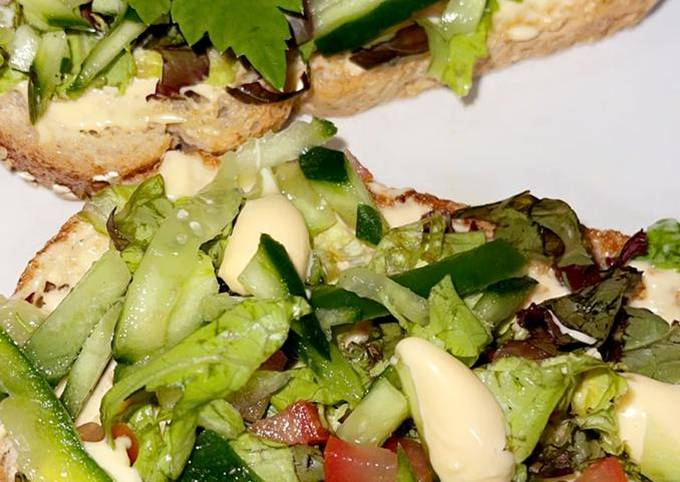 No-oil Healthy open toast chicken and vegetables sandwich !