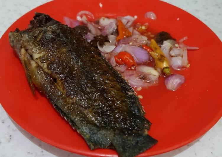 Ikan Bakar (Papuyu) plus Cacapan