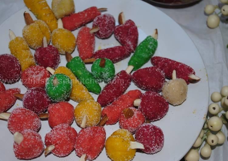 Persian Mulberry marzipan sweets (Tut شیرینی بادامی)
