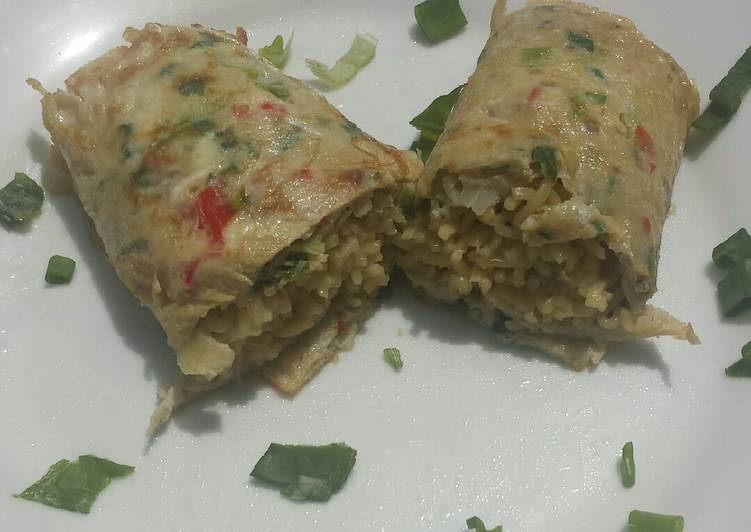 Recipe of Super Quick Homemade Noodles in omelette wrap