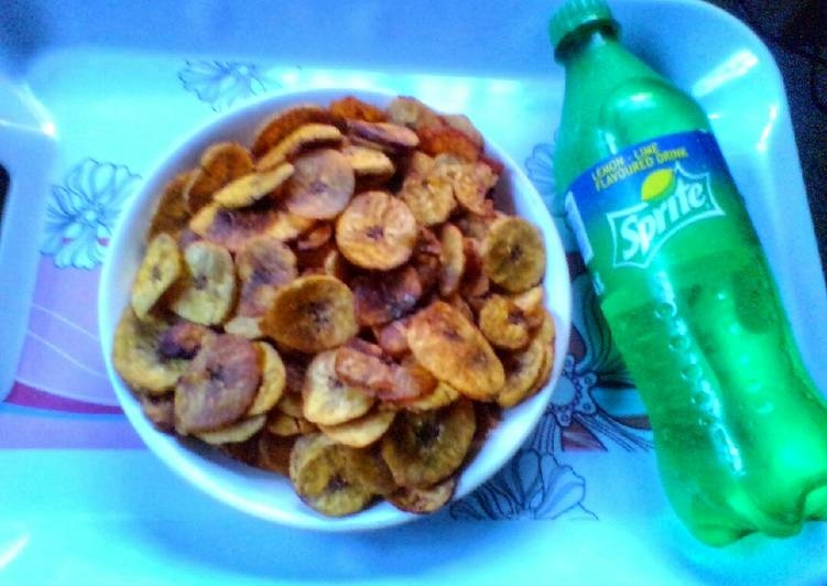 Unbreakable Spicy Plantain Chips