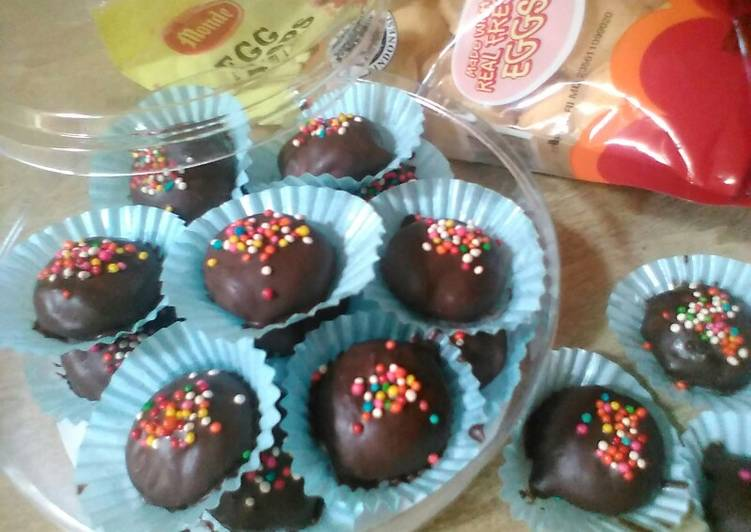 136) Eggdrops Chocolate Cookies