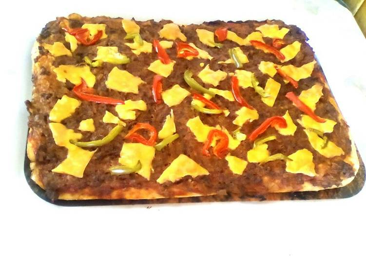 Minced Beef and Peppers Pizza