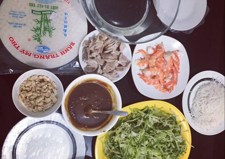 Vietnamese ricepaper rolls