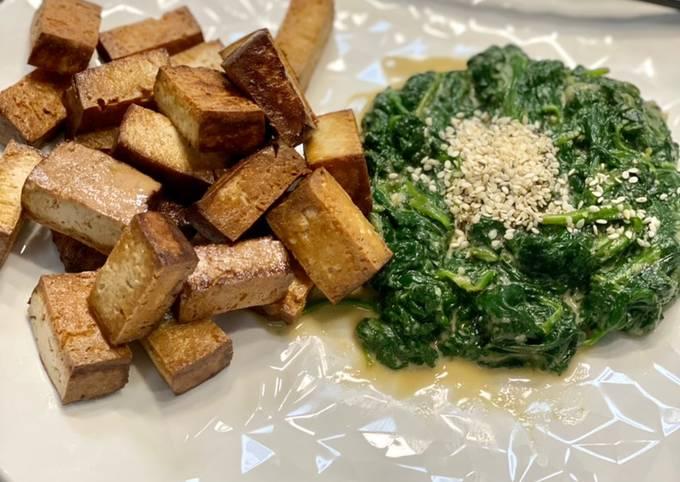 Tofu fumé poêlé, épinards au sésame