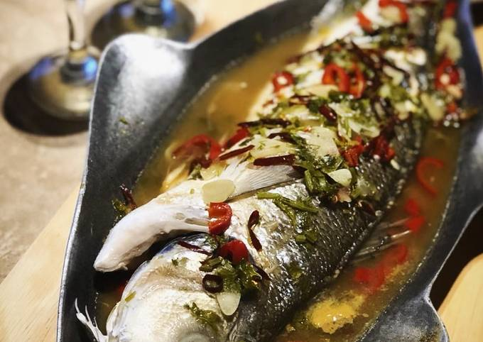 Steamed fish with Thai sauce