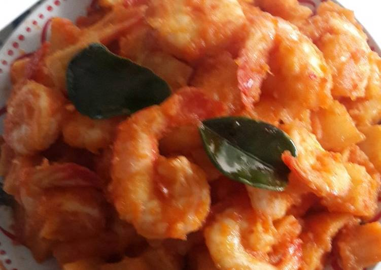 Recipe of Quick 🇮🇩 Sambal Balado Potato Prawn � (in Chilli sauce)