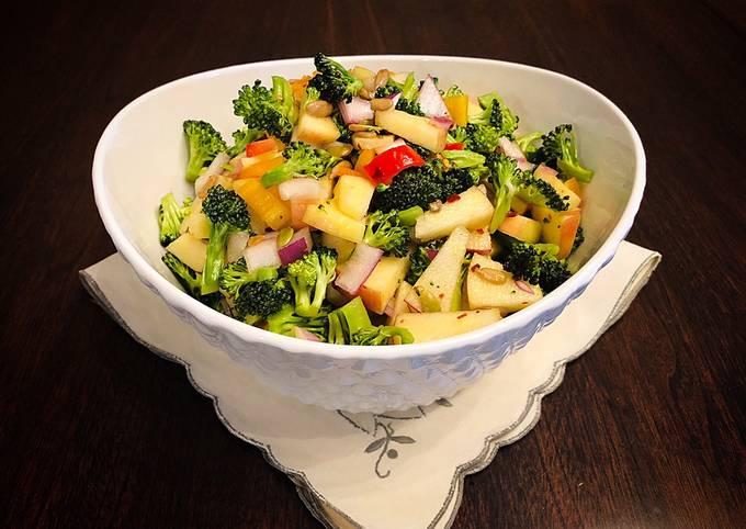 Easy and Healthy Broccoli Apple Salad