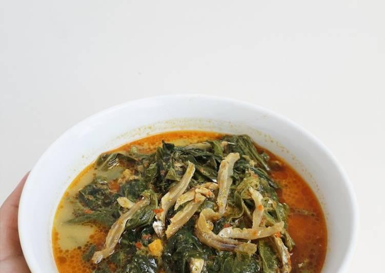 Samba Lado Tanak (daun singkong)